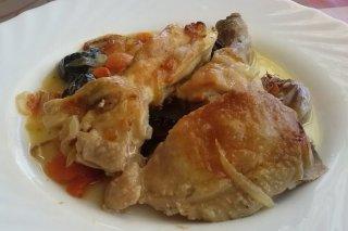 Receta de pollo al horno con ciruelas