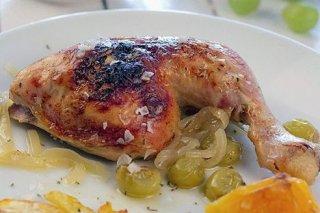 Receta de pollo asado con uvas y naranjas
