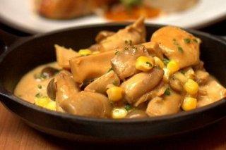 Receta de pollo con champiñones y maíz