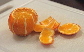 Receta de naranjas con licor, chocolate y pistachos