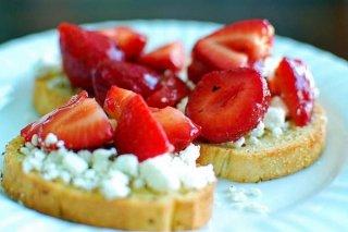 Receta de queso de cabra con fresas