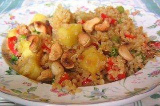 Receta de quinoa con piña y frutos secos
