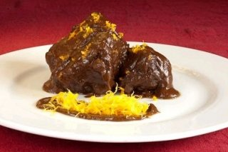 Receta de rabo de toro con salsa de chocolate y naranja