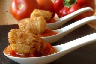 Receta de rape con tomates y pimientos asados