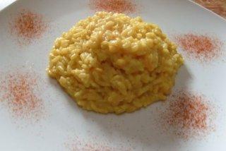 Receta de risotto con gambas, almendras y azafrán