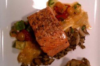 Receta de salmón a la pimienta con tosta de champiñones