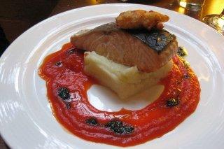 Receta de salmón a la plancha con puré de patatas
