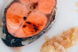 Receta de salmón encebollado