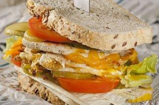 Receta de sandwich de pollo con huevo