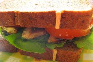 Receta de sandwich de pollo con tomate