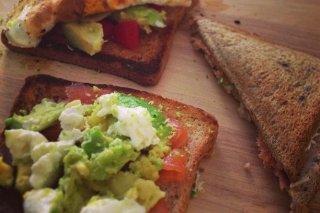 Receta de sándwich de salmón y aguacate