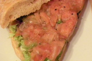 Receta de sándwich de salmón y lechuga