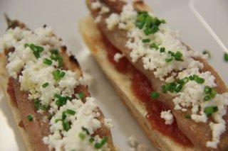 Receta de sardinas ahumadas con mermelada de tomate