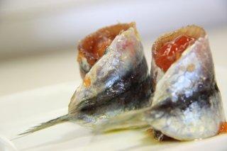 Receta de sardinas marinadas con compota de tomate
