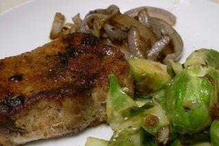 Receta de solomillo de cerdo con coles de bruselas
