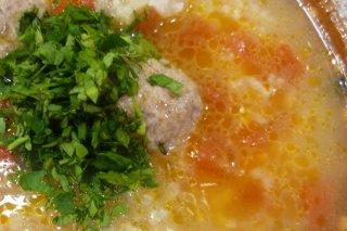 Receta de sopa de albóndigas con arroz