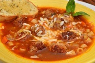Receta de sopa de albóndigas con pasta