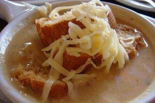 Receta de sopa de cebolla al vino blanco