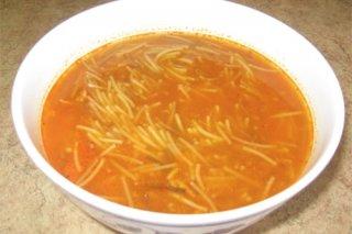 Receta de sopa de fideos con pollo y chorizo