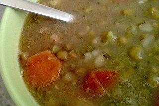 Receta de sopa de garbanzos y zanahoria