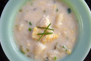 Receta de sopa de pescado con maíz