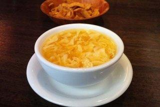 Receta de sopa de pollo con tomate y huevo