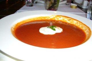 Receta de sopa de tomate y alcaparras