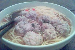 Receta de sopa de verduras con albóndigas