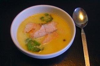 Receta de sopa de verduras con salmón ahumado