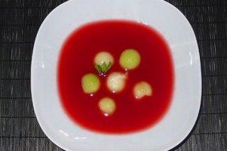 Receta de sopa fría de sandía con hierbabuena y tropezones de melón