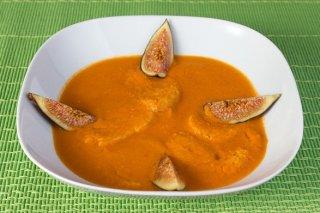 Receta de sopas de tomate con higos