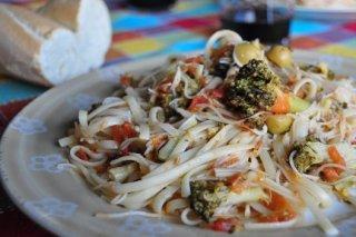 Receta de tallarines con brócoli y tomate