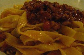 Receta de tallarines con carne y tomate