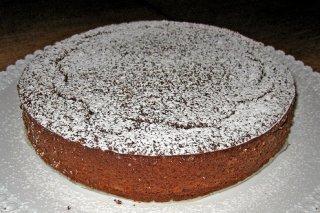Receta de tarta de almendra y dos chocolates