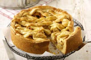 Receta de tarta de manzana, nueces y pasas