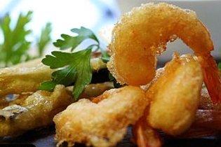Receta de tempura de gambas y berenjenas a la miel