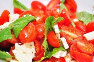 Receta de tomates cherry con albahaca