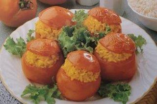 Receta de tomates rellenos de arroz a la milanesa