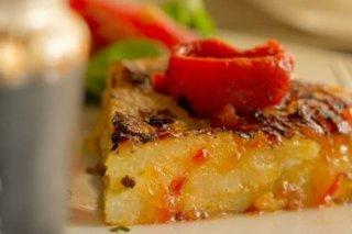 Receta de tortilla de patata con mermelada de pimiento