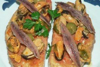 Receta de tosta de mejillones y anchoas