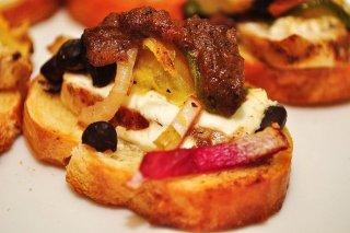 Receta de tosta de queso brie y cebolla