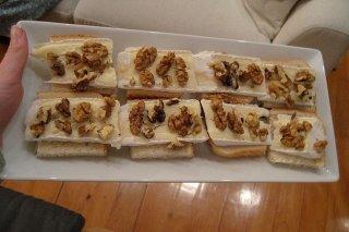 Receta de tosta de queso de cabra con miel y nueces