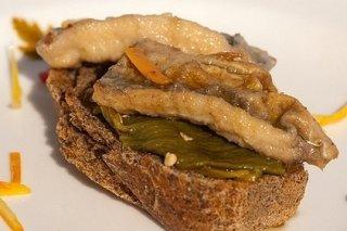 Receta de tosta de sardinas en escabeche
