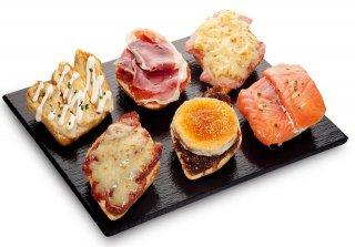 Receta de tosta de jamón, pimiento rojo y queso
