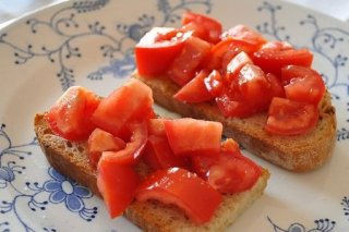 Receta de tostada con tomate