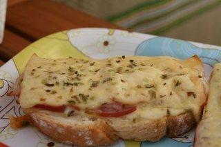 Receta de tostas de bacón y queso