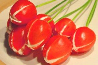 Receta de tulipanes de tomate y queso para san valentín