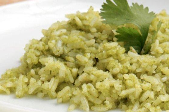 Receta de arroz verde con poblano
