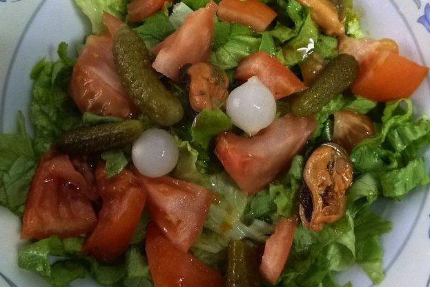 Receta de ensalada con mejillones