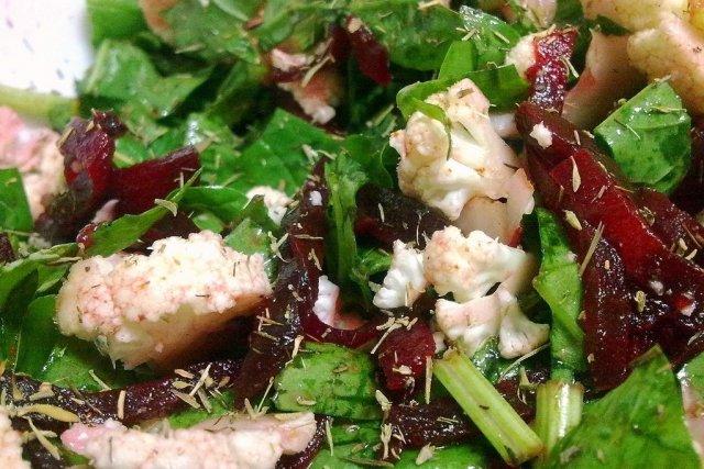 Receta de ensalada de coliflor y espinacas